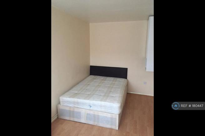 Large Double Room - Storage Etc