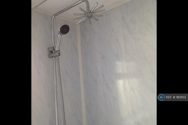 Bathroom Picture 4