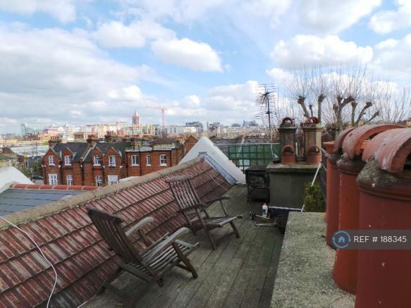 Roof Terrace Looking South