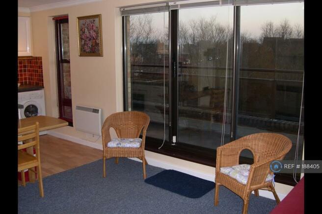 Sitting/Bedroom