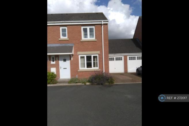 Two Storey End Unit With Driveway, Garage