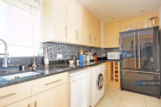 Kitchenw700litersfridge