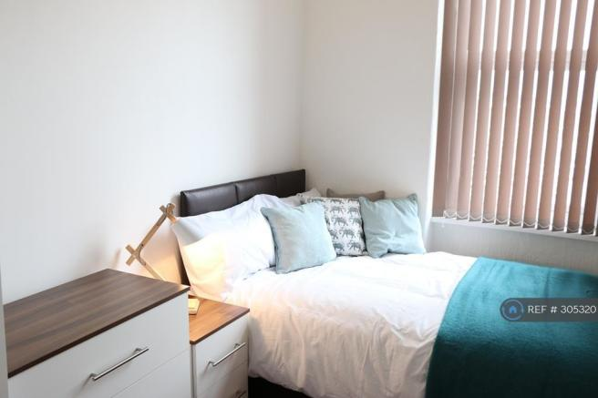 Double Room At £350pcm