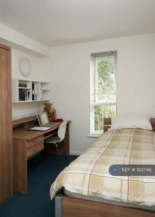 Single En-Suite Room