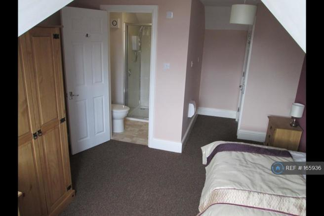 Large Attic Room With En-Suite Available