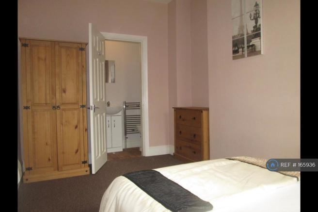 Brand New En-Suite Room Let