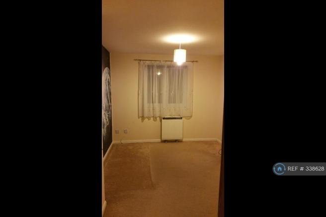 Large And Well Lit Double Bedroom