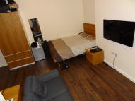 Studio flat in Braunstone Gate...