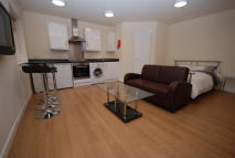 Studio flat in Oxford Street, Leicester...