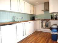 1 bed Flat to rent in Chicksand Street...
