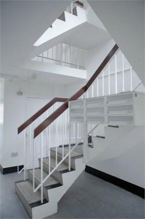 Communal Hallway/Po
