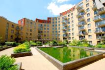 Flat to rent in Carronade Court...