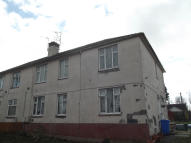 3 bedroom Flat in Main Street, Symington...