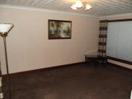 2 bed Flat in Meagher Court, Cumnock...