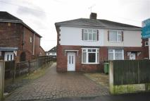 3 bed semi detached home to rent in Rayleigh Avenue...