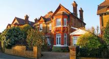 6 bed Detached house for sale in Priory Rd, Hampton