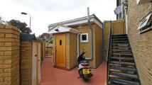 1 bedroom Studio flat to rent in Whitton Road, Twickenham...