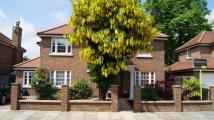 5 bed Detached property to rent in Burnside Close...