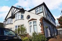 5 bedroom semi detached property to rent in 5 Bedroom Impeccable &...