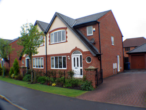 3 Bedroom Semi Detached House For Sale In Highland Drive Buckshaw