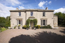 7 bedroom Detached home in The Glebe, Duns...