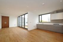 2 bedroom Flat in Kimberley Road...