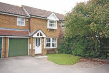 3 bedroom semi detached house to rent in Tullett Road, Crawley...