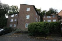 Flat to rent in Badgers Copse, Orpington...