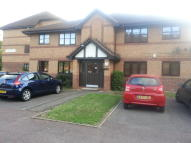 Flat to rent in Frobisher Road, Erith...