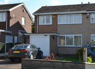 3 bed semi detached property to rent in Castle Syke View...