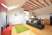 Flat to rent in 12 Teignmouth Road...