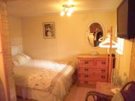 Studio flat to rent in Fairfield Approach...