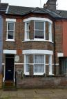 3 bed Terraced house to rent in Clarendon Road, Luton...