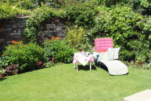 Town House for sale in Kestrel Close...