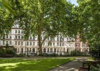 18 bed Town House in Grosvenor Gardens...