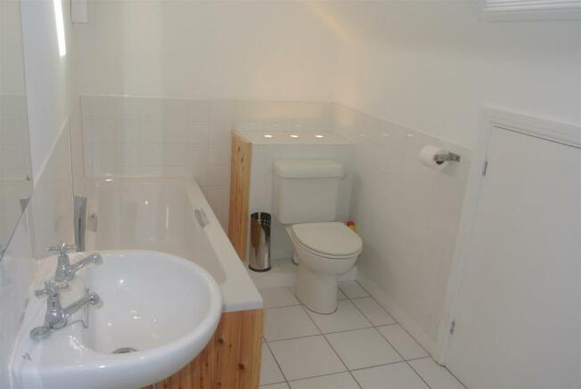 Albert Street41-bath