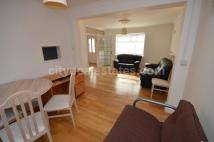 3 bedroom Maisonette to rent in Popes Lane, Acton W5 4NS