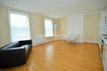 Flat to rent in Broadway, West Ealing...
