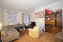 4 bedroom Flat in The Broadway, Greenford...