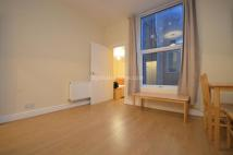 Flat to rent in Churchfield Road...
