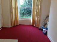 1 bed Ground Flat in Elgin Road, Ilford, IG3