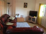 Flat to rent in Gaysham Avenue, Ilford...