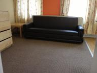 Flat to rent in WELLWOOD ROAD, Ilford...