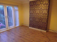 3 bed semi detached property to rent in Fairway, Huyton...