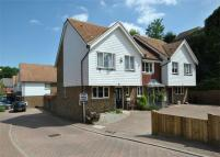 3 bedroom End of Terrace property for sale in Finch Close, FAVERSHAM...
