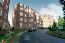 Apartment in Kenilworth Court...