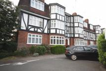 2 bedroom Flat in Eagle Court, Hermon Hill...