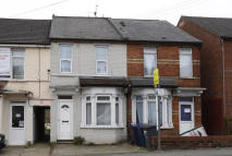 3 bed semi detached house to rent in Desborough Avenue...