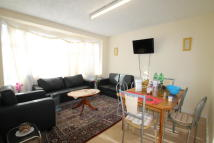 2 bedroom Flat in Wadham Road, London, E17
