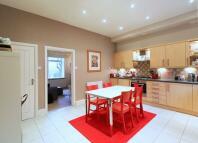 2 bedroom Terraced home in Edgeside Lane...
